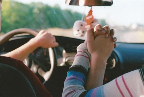 Kéz a kézben - Oszkár telekocsival